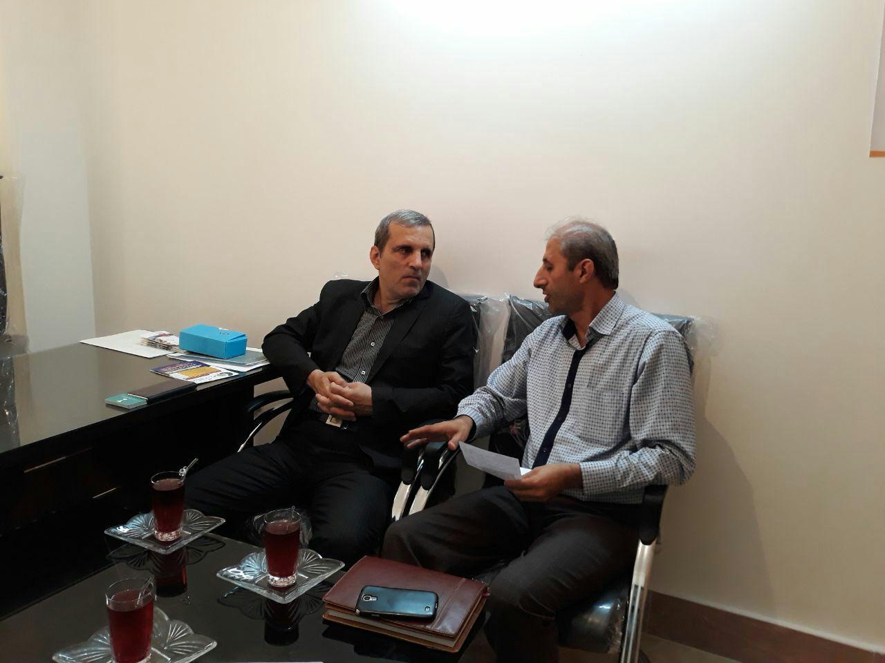 نشست صمیمانه و خصوصی با جناب آقای دکتر یوسف نژاد